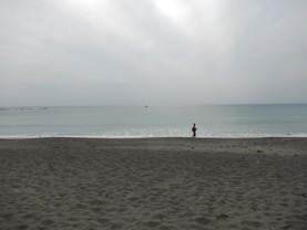 葉山海岸にひとり